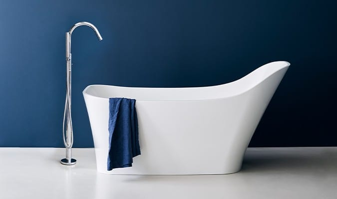 A Nebbia slipper bath from Clearwater.