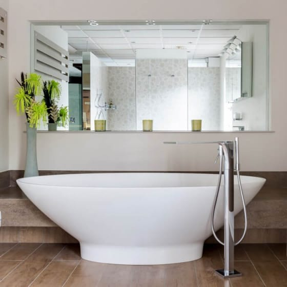 Image of BC Designs Tasse Freestanding Bath
